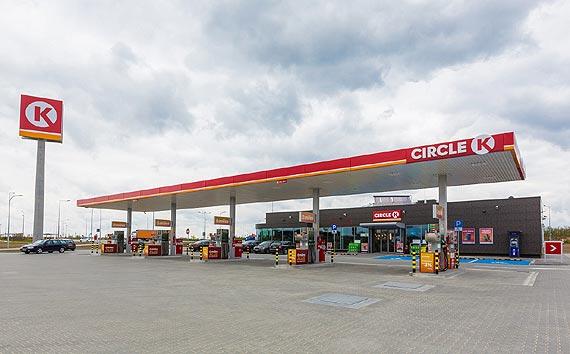 Co Polacy tankują w zimie?  Jakie paliwo wybrać, by auto odpaliło w każdych warunkach?