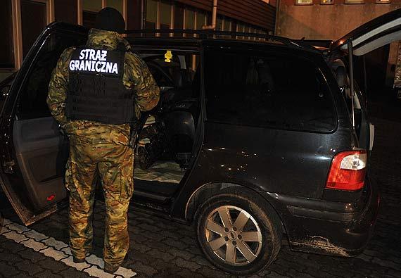 Przewozili w samochodach kradzione silniki zaburtowe! Wpadli po kontrolach strażników granicznych