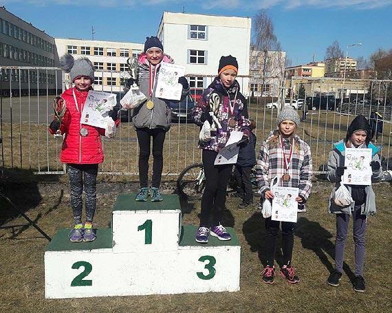 """Złote medale najmłodszych lekkoatletów """"Maratonu"""""""