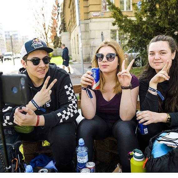 Studenci udowodniają, że da się podróżować po Europie bez gotówki i kart
