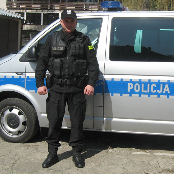 """Policjant """"na wolnym"""" zatrzymał seryjnego złodzieja"""