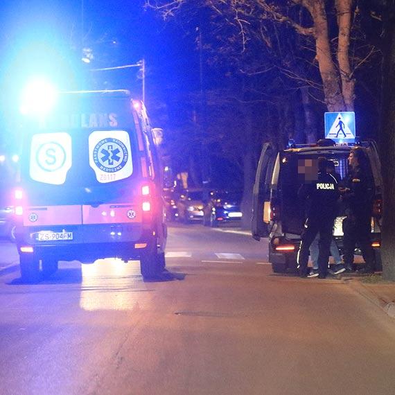 Mężczyzna próbował wyskoczyć z okna - wspólna akcja policji, strażaków i ratowników zapobiegła tragedii