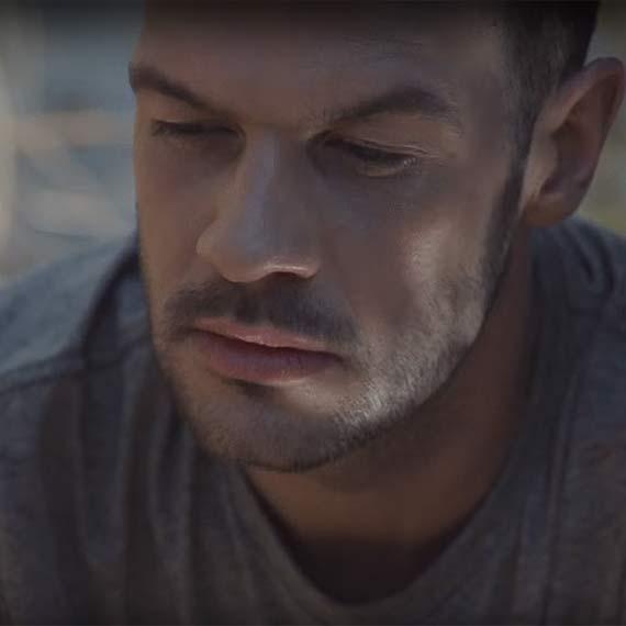 Kowalski - nowa twarz w muzycznym świecie. Klip do najnowszej piosenki nagrywał w rodzinnym mieście Świnoujściu