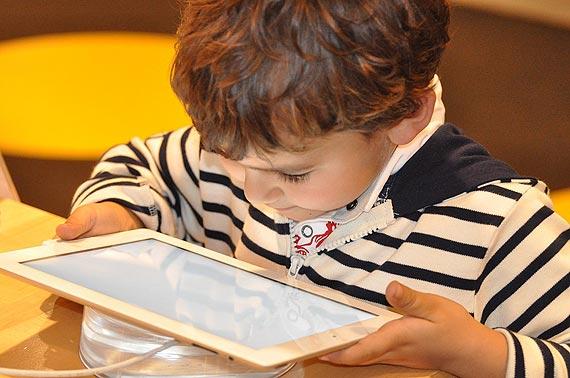 Czy wiesz, co Twoje dziecko robi w internecie?