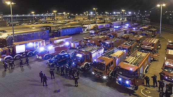 139 polskich strażaków wyjechało do Szwecji pomóc opanować gigantyczne  pożary lasów w Jämtland. Zobacz film!