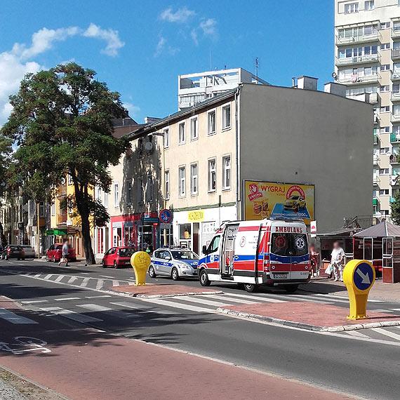 Na przejściu dla pieszych została potrącona kobieta