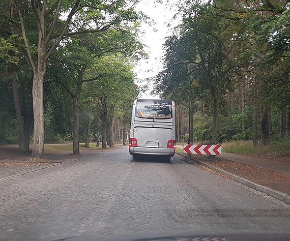 Czytelnik: Nonsens na granicy. Ulicą Wojska Polskiego nie mogą jeździć pojazdy powyżej 3,5 ton, przez co miasto traci