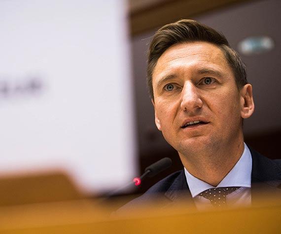 Analizy dla Rządu chwalą zachodniopomorski samorząd  za inwestowanie środków unijnych i proponują je władzy centralnej