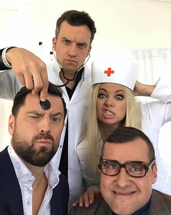 """""""Kabaret na Żywo  według Paranienormalnych"""" w Polsacie Goście Specjalni: Katarzyna Bujakiewicz i Michał Czernecki"""