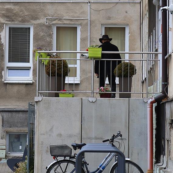 """MOPR zna sytuację bezdomnej z Warszowa- """"Taki styl życia wybrała i nie zamierza nic zmieniać"""""""