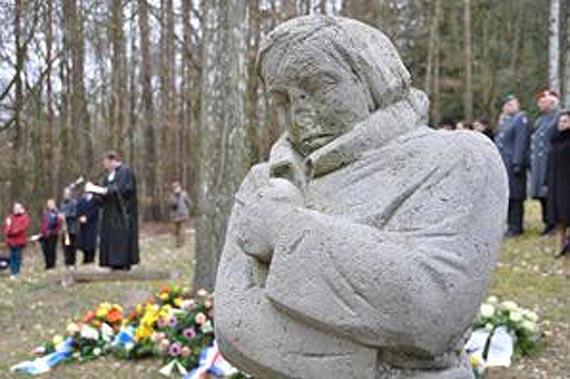 Cmentarz wojenny GOLM. Dzień Pamięci wszystkich ofiar wojny i tyranii na całym świecie