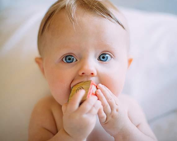 Dzieci jedzą zdrowo. Dowiedz się jak ważną role pełnią tłuszcze w diecie dzieci i które z tłuszczy dają najwięcej korzyści