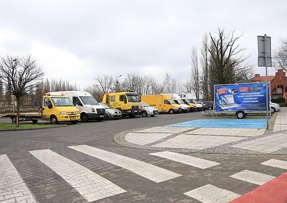 Jeszcze parking publiczny czy już prywatne zaplecze transportowe?