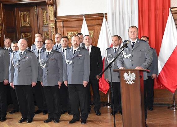 Słowa policyjnej roty wypowiedziało 37 nowych policjantów