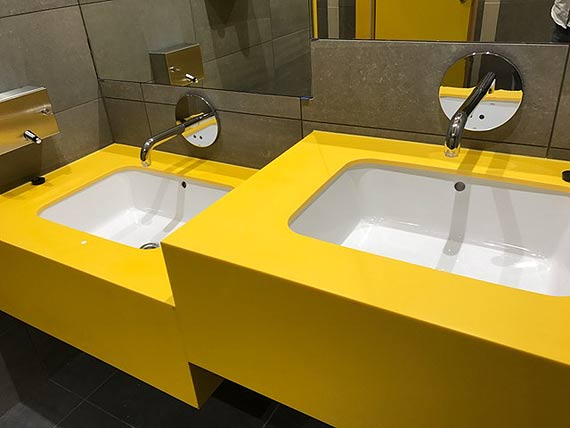 Oras Electra w łazienkach restauracji McDonald's