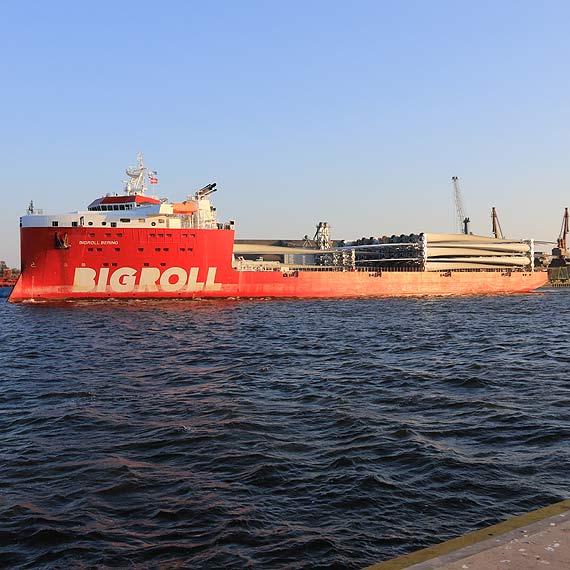 Euroterminal w Świnoujściu umacnia się na pozycji lidera obsługi komponentów elektrowni wiatrowych i rynku offshore. Zobacz film!