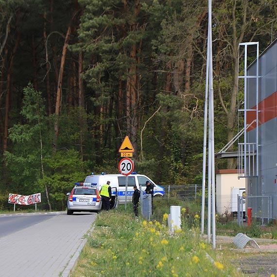 Otwarte drzwi zwróciły uwagę patrolu policji