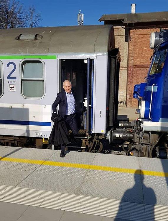 Od niedzieli nowy rozkład jazdy pociągów. Politycy ze Szczecina zamieszali