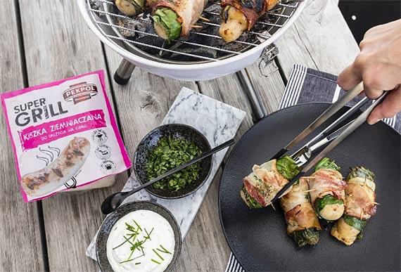 Grill inspirowany Kurpiami – roladki z kiszki ziemniaczanej, kapusty i boczku