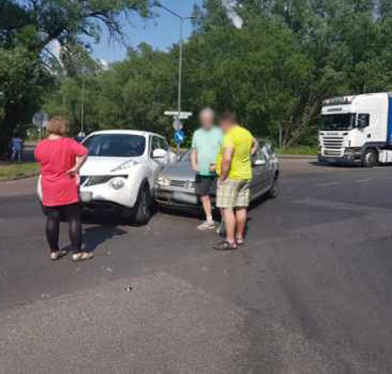 Kolizja dwóch samochodów na Warszowie