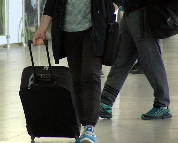 Miej ważne dokumenty podróży, przyjedź wcześniej na lotnisko i pilnuj swojego bagażu