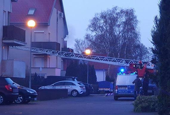 Podpalenie? Ktoś wywołał pożar mieszkania. Właścicielka trafiła do szpitala