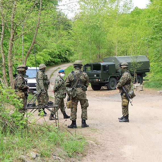 Polak nie może spacerować po… Polsce. Wojskowi pilnują granicy kilkaset metrów bliżej
