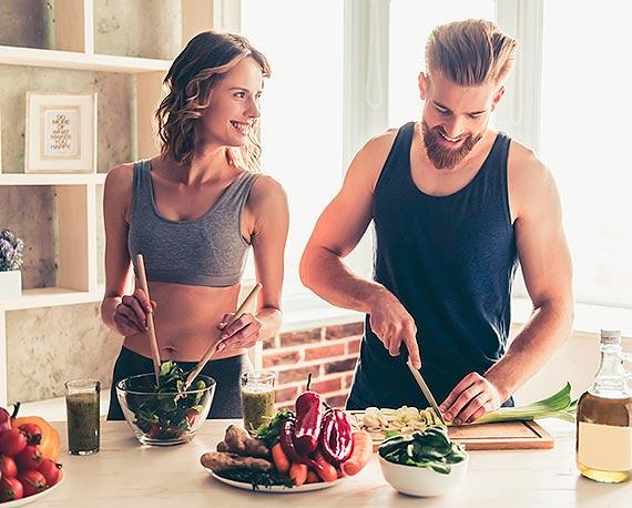 Co będziemy jeść w 2021 roku? Trendy, które zagoszczą w naszej kuchni