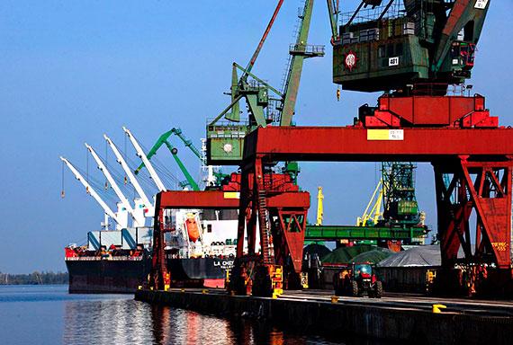 Porty w Szczecinie i Świnoujściu odrabiają straty po pandemii, w kwietniu przeładunki w górę oprawie 18 procent