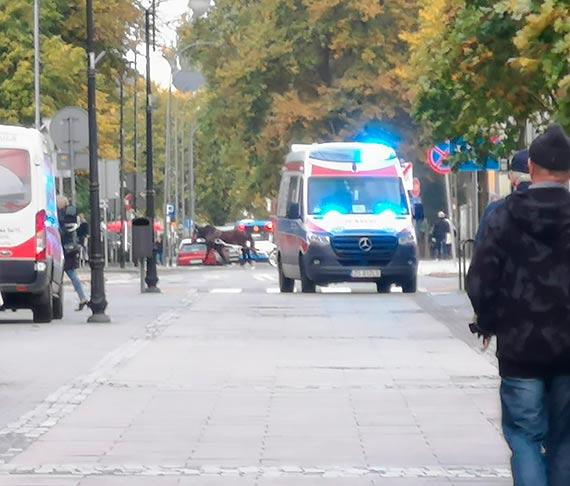 Mężczyzna zasłabł na ulicy
